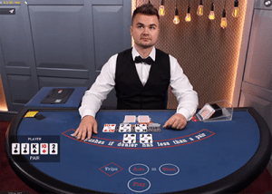 Evolution Gaming live dealer Texas Hold'em gameplay